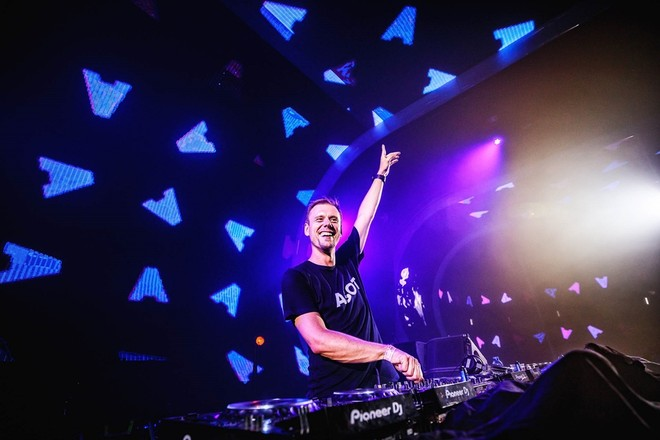 DJ lừng danh Armin Van Buuren
