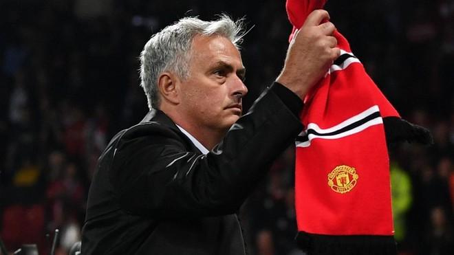 Jose Mourinho bất ngờ quay sang ủng hộ M.U đi tiếp