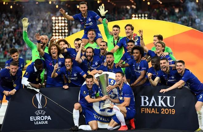 Chelsea vô địch Europa League đầy thuyết phục