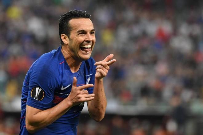 Pedro nhân đôi cách biệt cho đội bóng áo xanh