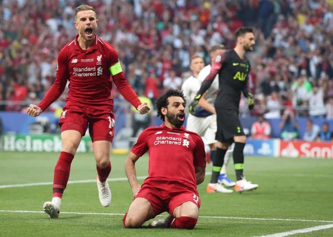 Salah ăn mừng sau bàn mở tỉ số
