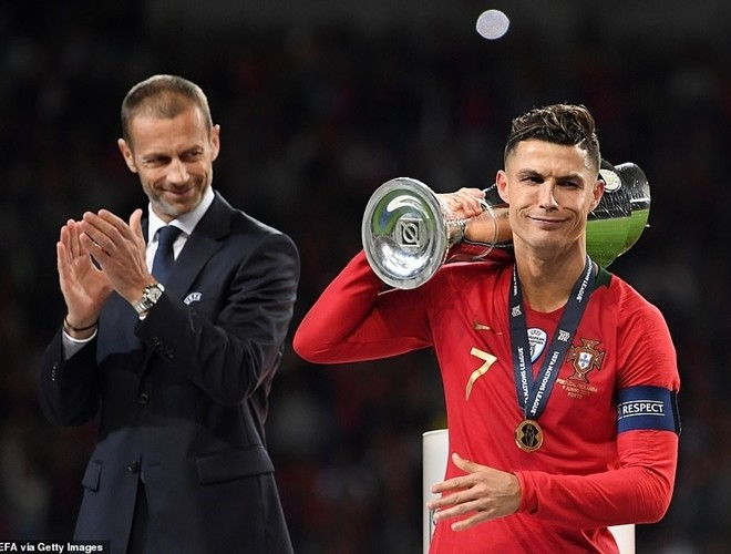 Ronaldo đã no nê danh hiệu với Bồ Đào Nha