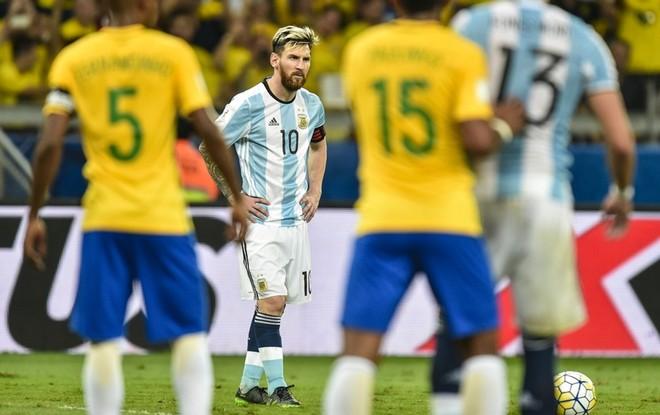 """Messi liệu có biết cách tỏa sáng trước Brazil sau 2 trận gần nhất """"tịt ngòi""""?"""