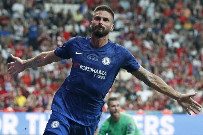 Giroud đưa Chelsea vươn lên dẫn trước trong hiệp 1