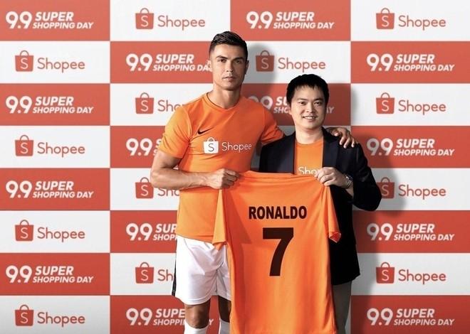 Cristiano Ronaldo và Chris Feng - Giám đốc điều hành Shopee