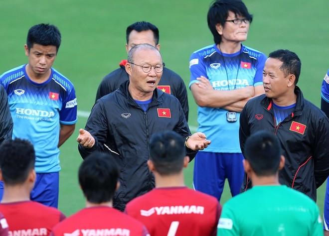 Tái ký hợp đồng sớm, HLV Park Hang-seo có thể toàn tâm toàn ý cho ĐT Việt Nam tại vòng loại World Cup 2022, và U22 Việt Nam tại SEA Games 30 (Ảnh: Vũ Vy)