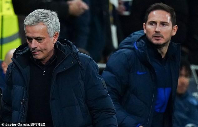 Thua cả học trò, Mourinho giờ đã hết thời?