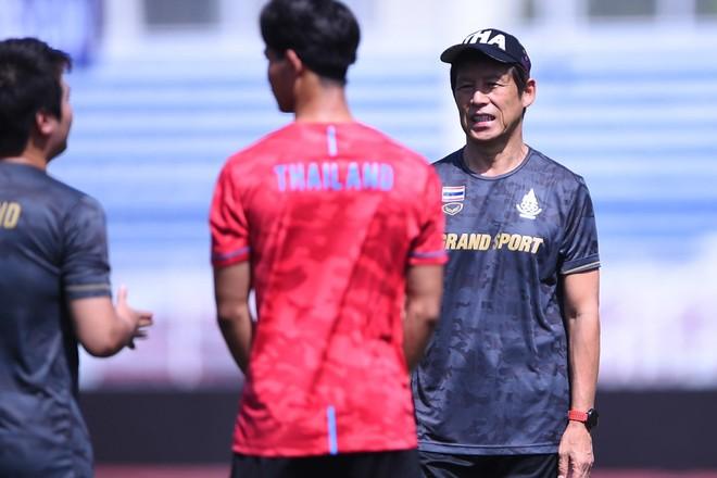 HLV Nishino sẽ làm gì để giúp U23 Thái Lan bước qua áp lực?