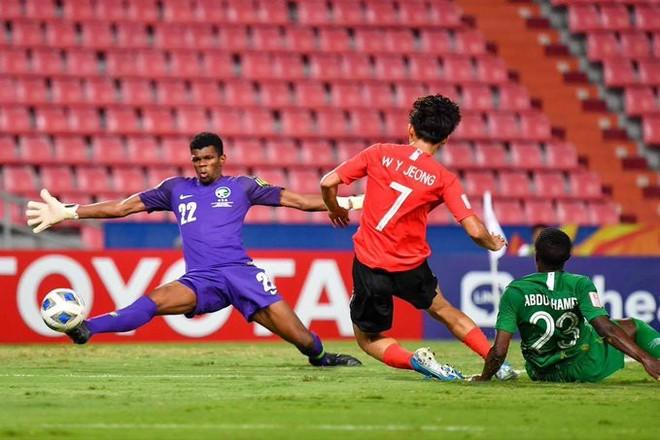 U23 Hàn Quốc (đỏ) chơi tốt hơn đối thủ trong trận chung kết