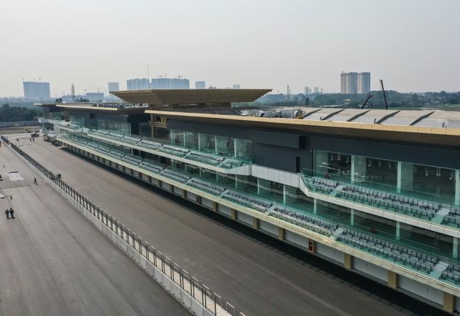 Tòa nhà điều hành Pit dài 300m – biểu tượng của đường đua F1 Hà Nội