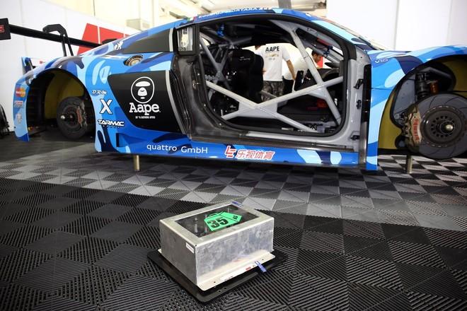 Ballast được gắn vào xe để bù đắp trọng lượng tiêu chuẩn