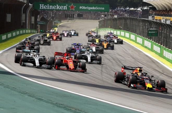 Race day là ngày được trông đợi nhất trong cả chặng đua