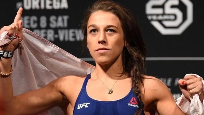 Sốc với hình ảnh nữ võ sĩ xinh đẹp biến dạng khuôn mặt khi thượng đài UFC