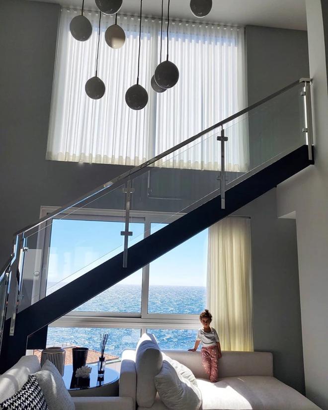 Siêu biệt thự nhìn ra biển của gia đình Ronaldo