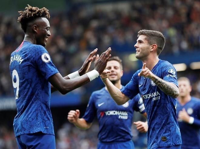 Các cầu thủ Chelsea được giữ nguyên lương trong mùa dịch