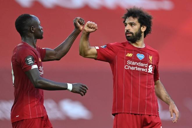 Salah rực sáng ở trận này với 1 bàn thắng và 1 kiến tạo