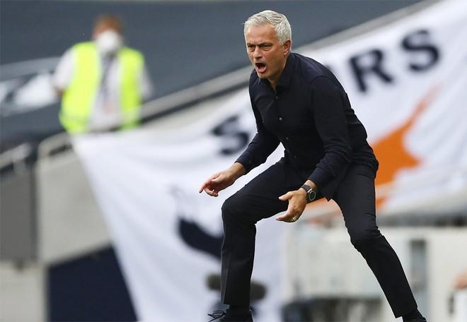 Tham vọng của HLV Mourinho là dự cúp châu Âu chứ không phải xếp trên Arsenal