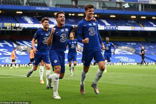 Chelsea có chiến thắng nhẹ nhàng trên sân nhà trước Wolves
