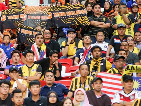 Cách ly nhóm CĐV Malaysia khỏi khu vực CĐV Việt Nam ảnh 1
