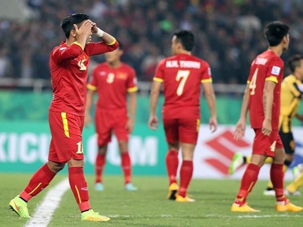 Mảng tối bóng đá Việt 2014: Từ nghi vấn đến án tù ảnh 4