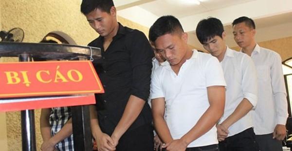 Mảng tối bóng đá Việt 2014: Từ nghi vấn đến án tù ảnh 1
