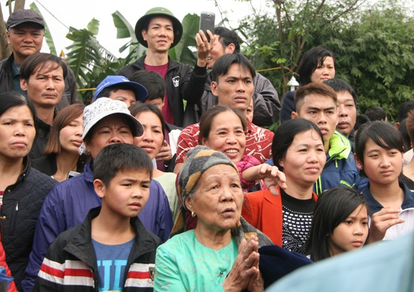 Rót đồng đúc Đại hồng chung chùa Hoa Lâm Tam Bảo ảnh 13