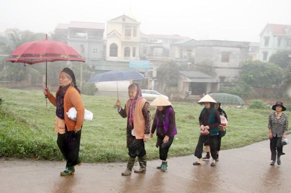 Rót đồng đúc Đại hồng chung chùa Hoa Lâm Tam Bảo ảnh 1