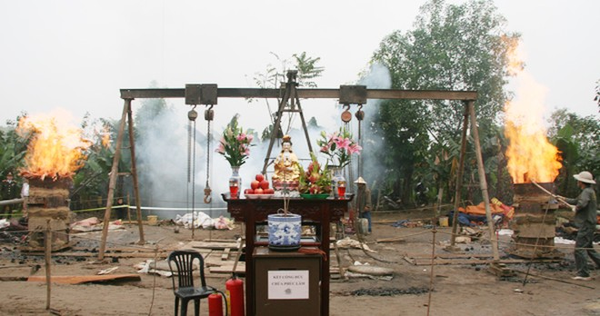 Rót đồng đúc Đại hồng chung chùa Hoa Lâm Tam Bảo ảnh 5