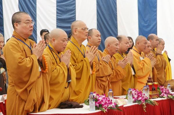 Rót đồng đúc Đại hồng chung chùa Hoa Lâm Tam Bảo ảnh 2