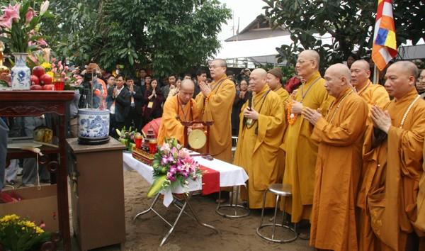 Rót đồng đúc Đại hồng chung chùa Hoa Lâm Tam Bảo ảnh 3