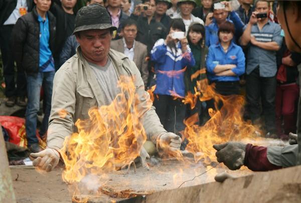 Rót đồng đúc Đại hồng chung chùa Hoa Lâm Tam Bảo ảnh 8