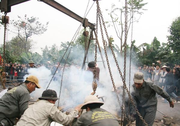 Rót đồng đúc Đại hồng chung chùa Hoa Lâm Tam Bảo ảnh 10