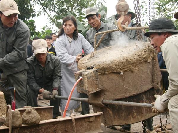 Rót đồng đúc Đại hồng chung chùa Hoa Lâm Tam Bảo ảnh 11