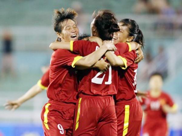 """Đánh bại """"kình địch"""", tuyển nữ Việt Nam tiến gần ngôi nhất bảng ảnh 1"""