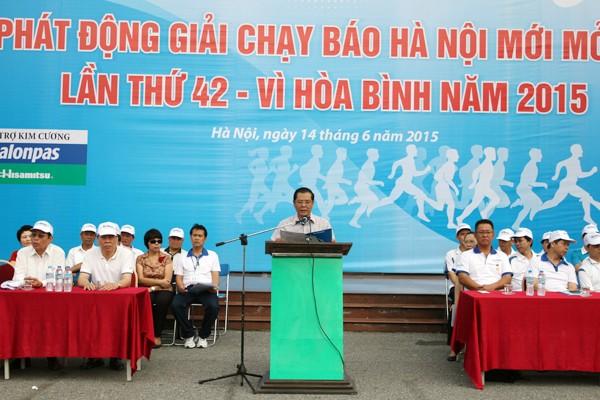 """Hà Nội: 5.000 người chạy """"Vì hòa bình"""" ảnh 1"""