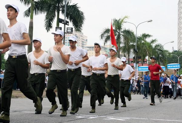 """Hà Nội: 5.000 người chạy """"Vì hòa bình"""" ảnh 5"""