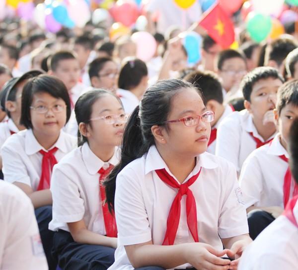 Những khuôn mặt bẽn lẽn, háo hức trong ngày tựu trường ảnh 12