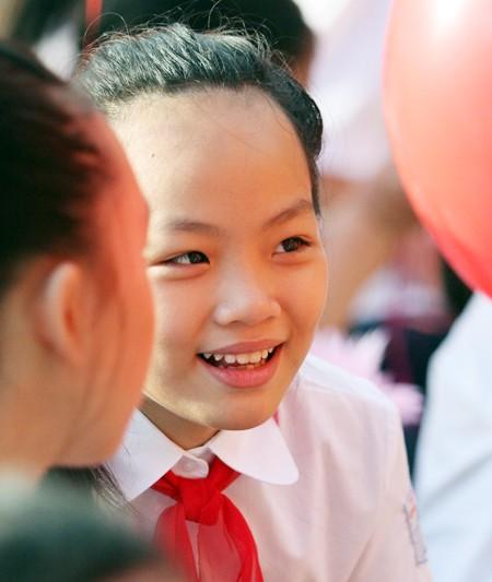 Những khuôn mặt bẽn lẽn, háo hức trong ngày tựu trường ảnh 9