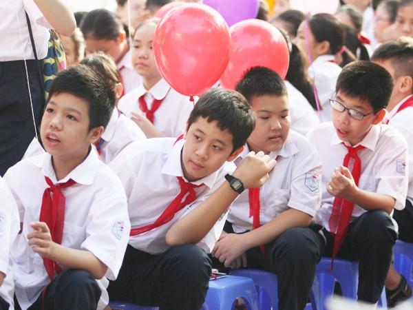 Những khuôn mặt bẽn lẽn, háo hức trong ngày tựu trường ảnh 8