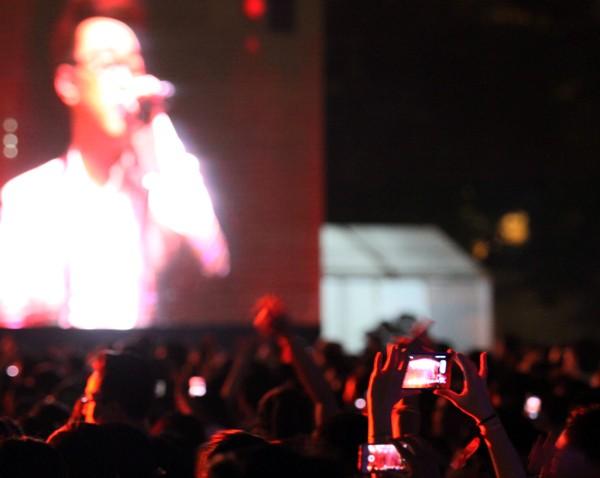Rực rỡ, sôi động đêm khai màn Monsoon Music Festival 2015 ảnh 17