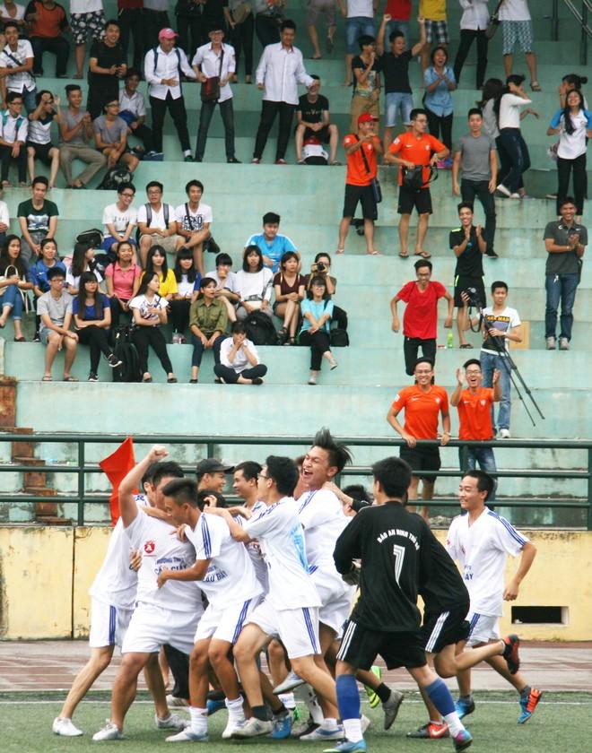 50 đội tranh tài mùa thứ XV giải bóng đá học sinh THPT Hà Nội - Báo ANTĐ ảnh 7