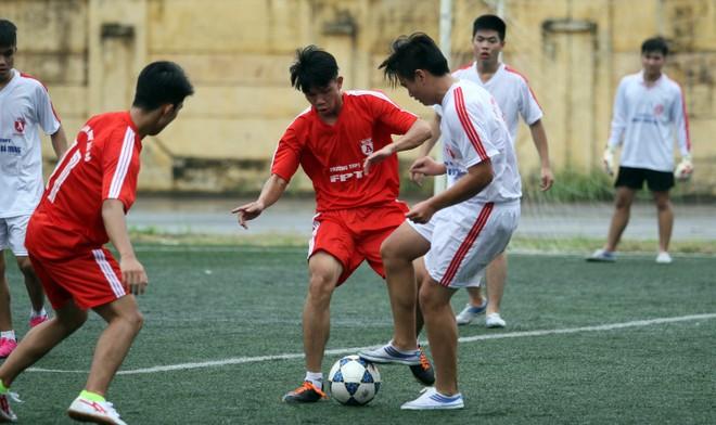 Kết quả, hình ảnh lượt trận sáng 8-11 giải bóng đá học sinh THPT Hà Nội ảnh 19