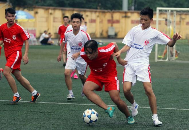Kết quả, hình ảnh lượt trận sáng 8-11 giải bóng đá học sinh THPT Hà Nội ảnh 20