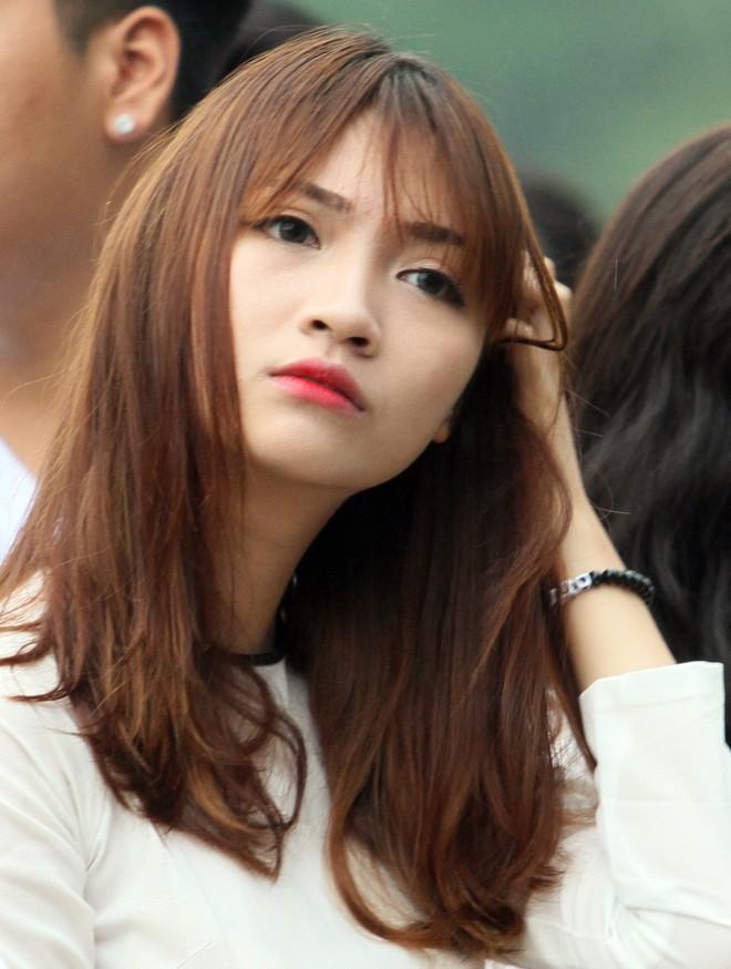 Nữ sinh Hà thành khoe sắc tại giải bóng đá học sinh THPT Hà Nội 2015 ảnh 8