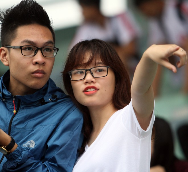 Nữ sinh Hà thành khoe sắc tại giải bóng đá học sinh THPT Hà Nội 2015 ảnh 7