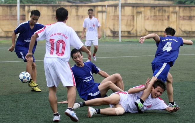 Kết quả, hình ảnh lượt trận sáng 8-11 giải bóng đá học sinh THPT Hà Nội ảnh 4