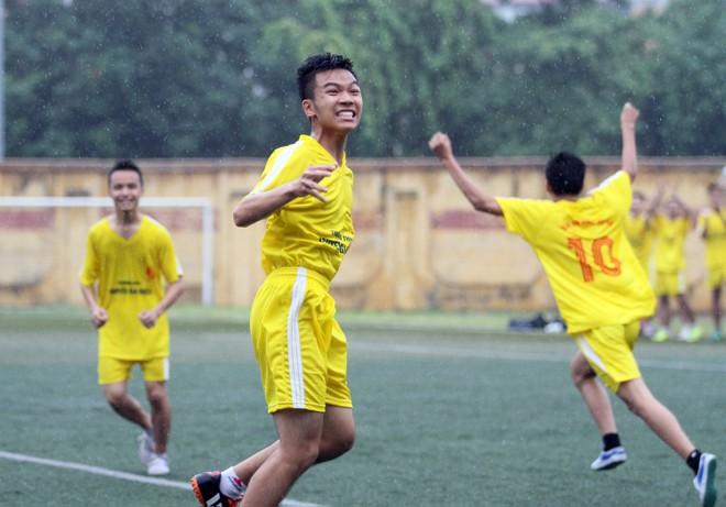 Kết quả, hình ảnh lượt trận sáng 8-11 giải bóng đá học sinh THPT Hà Nội ảnh 12