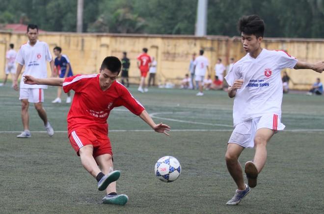 Kết quả, hình ảnh lượt trận sáng 8-11 giải bóng đá học sinh THPT Hà Nội ảnh 13