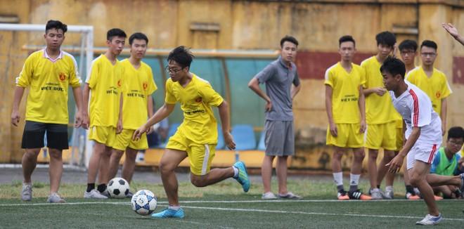 Kết quả, hình ảnh lượt trận sáng 8-11 giải bóng đá học sinh THPT Hà Nội ảnh 25