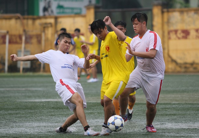 Kết quả, hình ảnh lượt trận sáng 8-11 giải bóng đá học sinh THPT Hà Nội ảnh 9